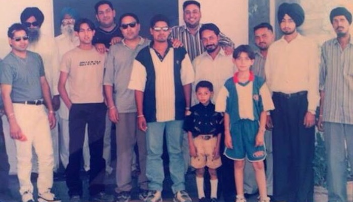 Gippy Grewal Shares Throwback Picture & Asks Fans To Spot Him. Here's How Twitterati Reacted