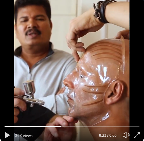 Akshay Kumar shares video of his transformation into winged, clawed monster from 2.0
