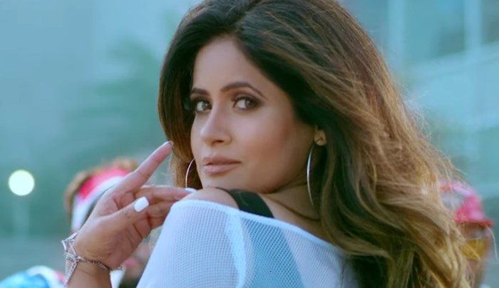 Fishcut: Miss Pooja's Another Foot-Tapping Number For Fans