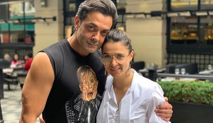 bobby Deol and his wife tanya deol know about love story viral picture
