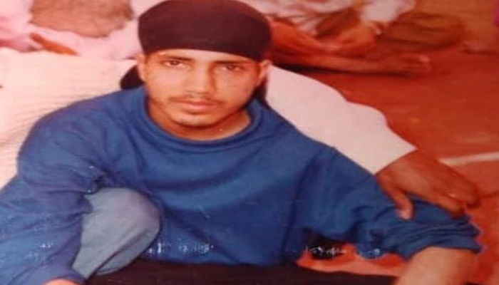 Bollywood Singer Mika Singh Shares His Childhood Picture
