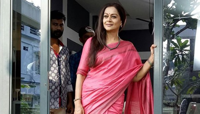 Reports: Zarina Wahab Was On Oxygen In Mumbai After Testing Positive For Covid - 19
