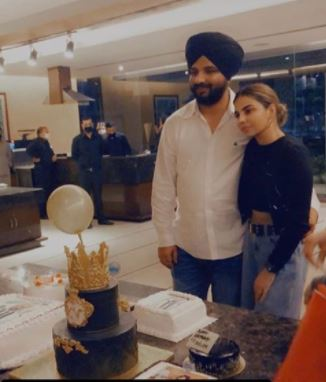 kv dhillon with wife