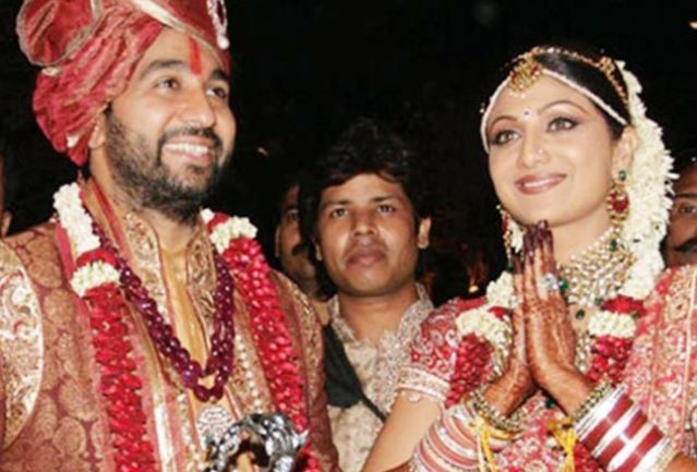 inside pic of wedding photo of raj and shilpa