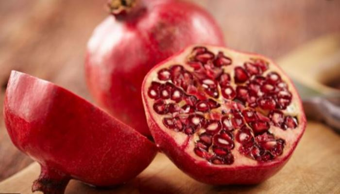 Pomegranate is rich in many beneficial properties, Know about its benefits