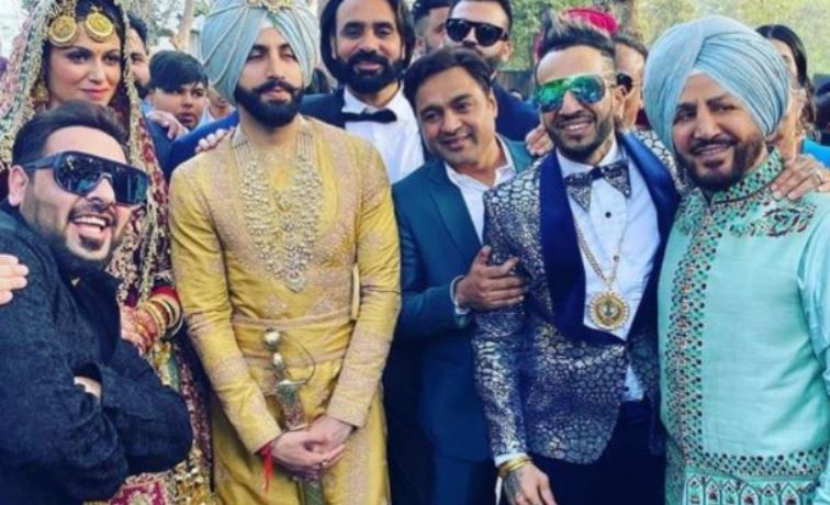 inside pic of gurdas maan with his son and daughter in law