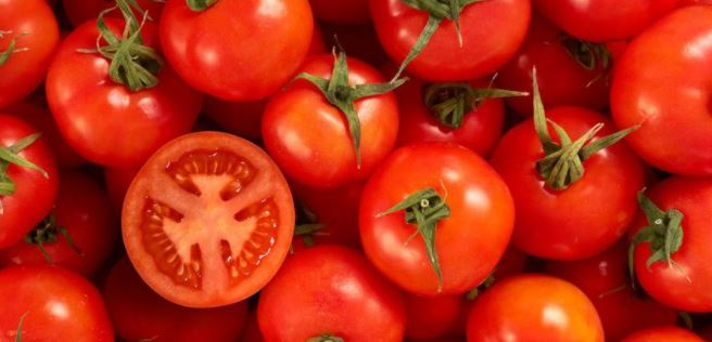 inside pic of tomato benefits