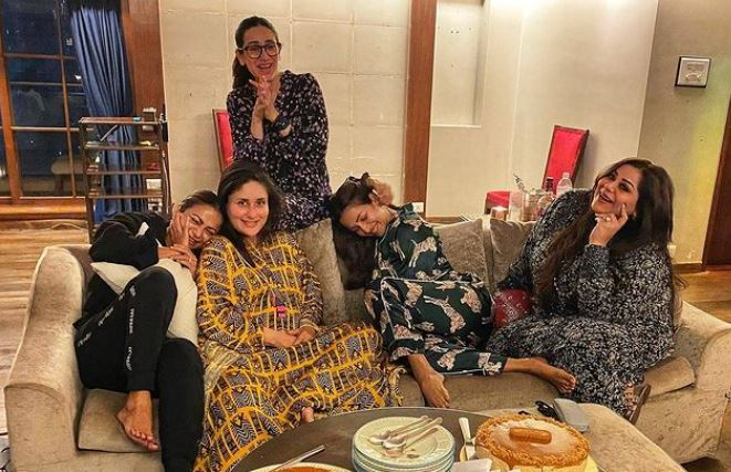 kareena kapoor chill with friends