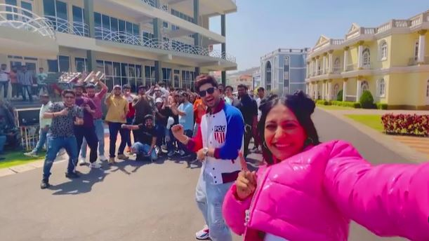 inside image dhanshree and jassie gill