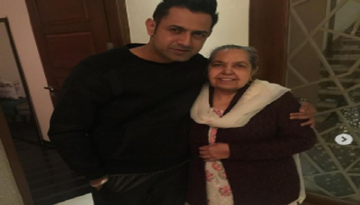 gippy with mother