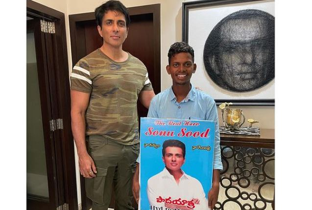 sonu sood with his fan