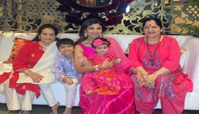 Shilpa With Mother-min