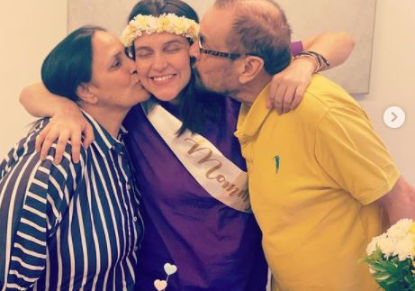 neha dupia with mother and dady