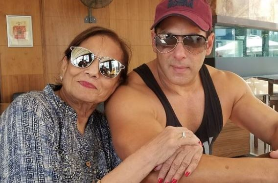 salman with mother