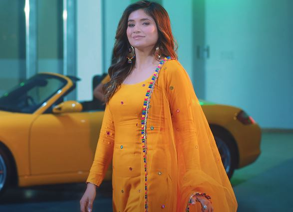 inside image of shipra goyal new song koke out now